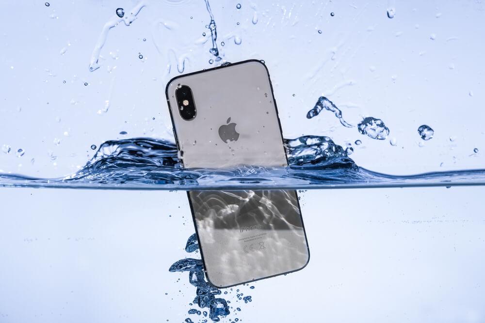 Zalany i-Phone – co dalej