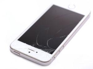 Peknieta szybka, czyli najczestsza usterka iPhonea 5s