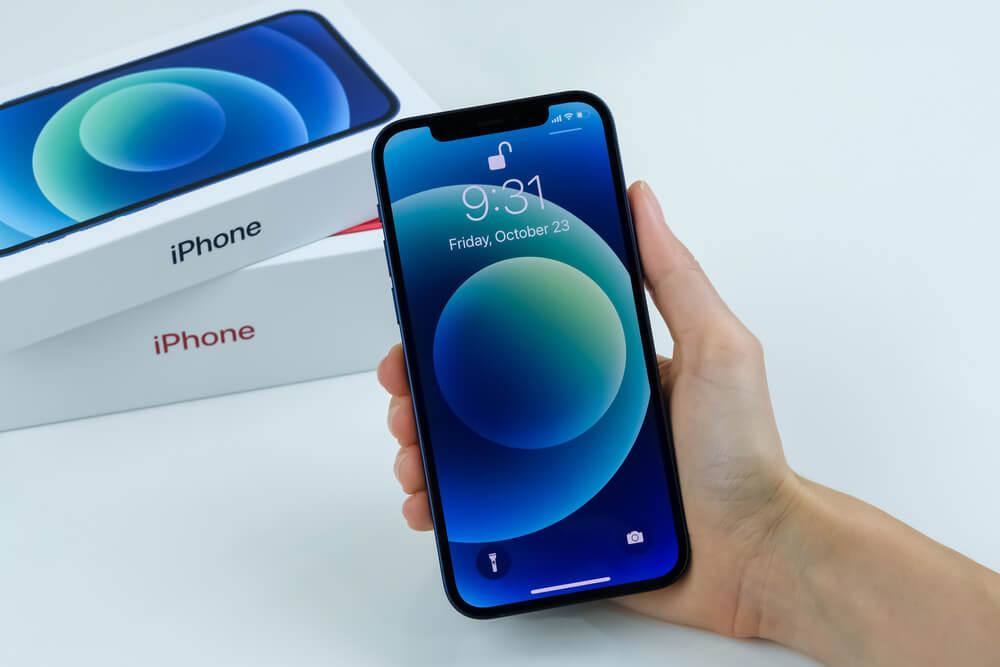 naprawa iPhone 12